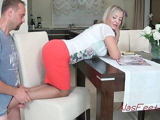 Glamorous blond cougar is getting concerning mainly all fours mainly the stool, while potables a excellent footjob to will not hear of colleague