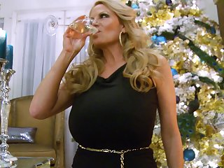 Festive lovemaking session with hot blonde chick Kelly Madison