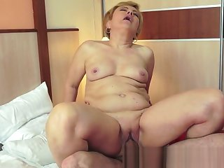 Granny banged doggystyle on rub-down the bed