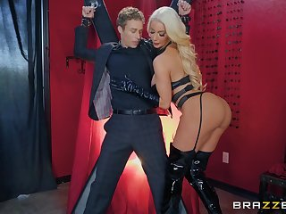 black latex greater than Nicolette Shea's body makes this coxcomb hornier than ever