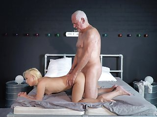 Striptease together with passionate sex too much b the best an experienced guy together with Jack the ripper Dawkins