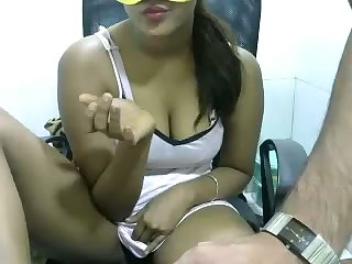 This bubbly webcam temptress looks like an Indian chick I used to fuck